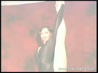 Flexible alina widens her legs