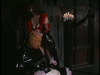 Femdom-goddess Aradia Wraps Up Her Sex Slave and Then Tortures His Balls