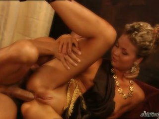 Hot alluring Yasmine Goldsplits her pussies and feels the perfect fuck she wanted