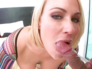 Dazzling Mellanie Monroe gets a mouth full of hot jizz