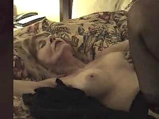 Mature slut creampied by black dick
