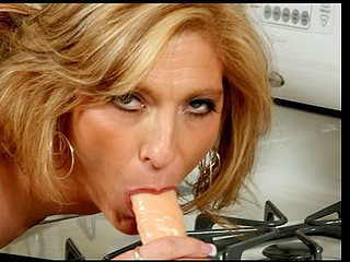 Petite Anilos cougar Dee Dee sucks off a thick dong in advance of riding it with her super constricted fur pie
