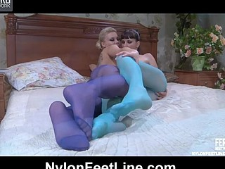 Virginia&Madeleine nylon footsex movie