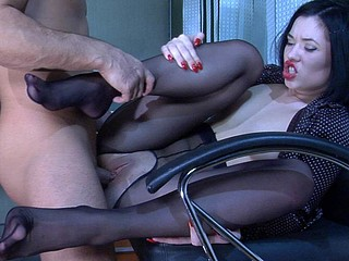 Griffith&Frederic kinky nylon feet episode