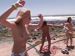 hot oiled babes having fun