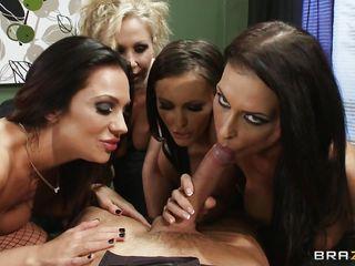 crazy hot babes sucking a lucky guy's cock