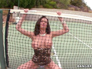 milf veronica avluv with her big boobs