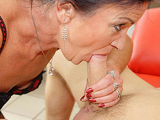 This anal loving older floosie gets a warm surprise