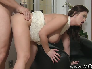 MOMMY Large breasted wife likes shlong