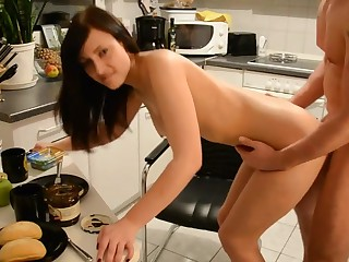 Hot Amateur German Brunette Floosie 13