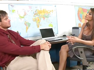 Madelyn Marie & Justin Magnum in Naughty Office