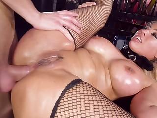Crazy anal maniac drills that hole of Luna Star