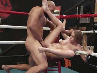 Muscular bruiser penetrates sexy colleen on the chair