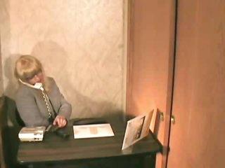 Tranny cums on her desk at work